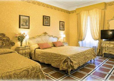 HOTEL VILLA SAN LORENZO MARIA Via Dei Liguri 7 - Roma